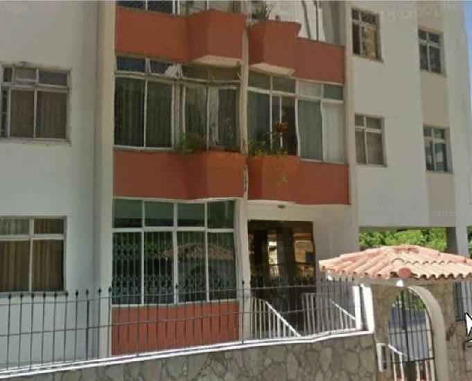Locação: apartamento no caminho das árvores.