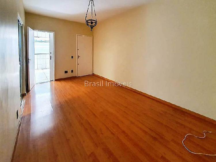 Apartamento três quartos no bairro paineiras com 100 m²