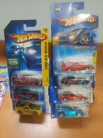 Coleção hot wheels first editions.
