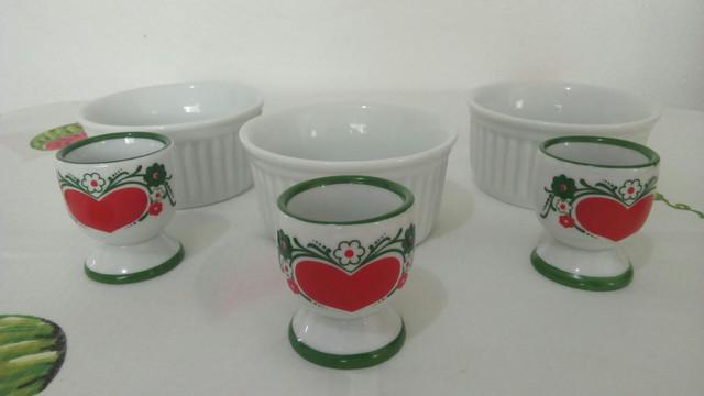 Conjunto porta-ovos em porcelana