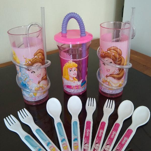 3 copos com canudos das princesas + colher/garfo