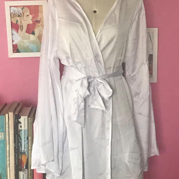 Kimono cetim decote coração