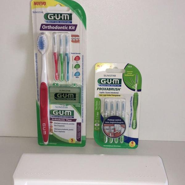 Porta escova oral gift na cor branca + kit ortodôntico gum