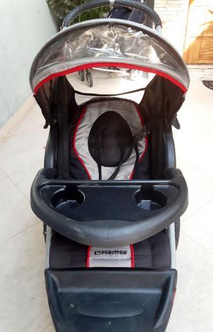 Carrinho de bebê importado 3 rodas expedition ts
