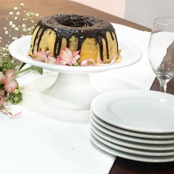 Conjunto boleira e pratinhos de bolo