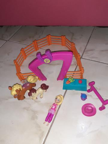 Curral de cavalos da polly pocket