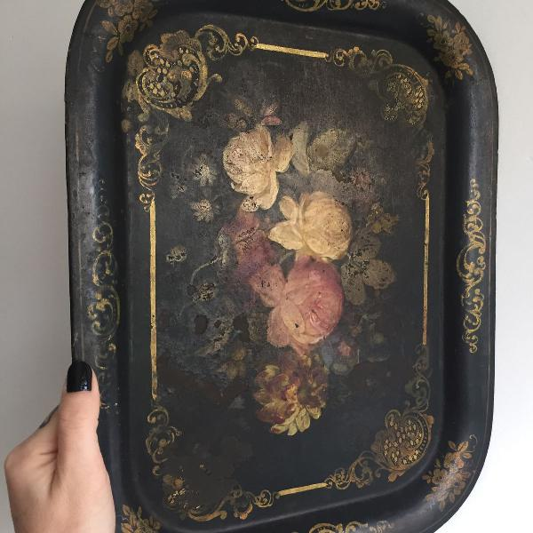 Antiga bandeja metal pintada à mão vintage