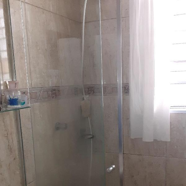Box vidro temperado usado p banheiro