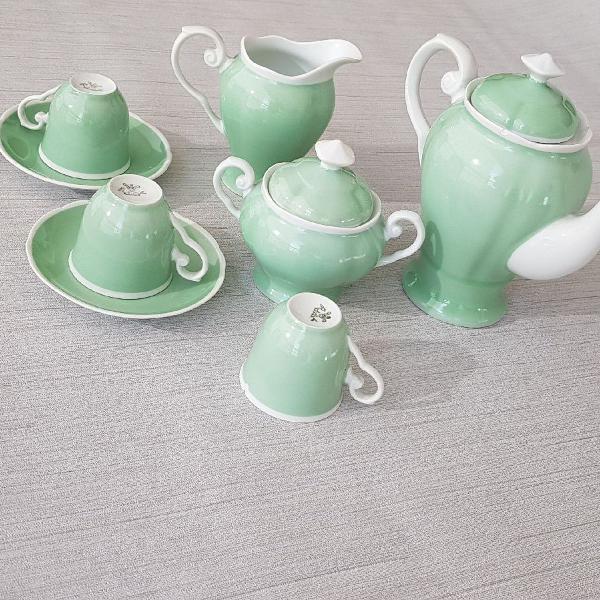Conjunto de chá e café porcelana verde