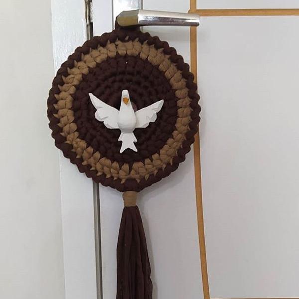 Mandala divino espírito santo em crochê
