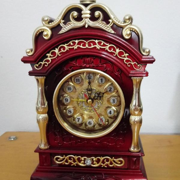 Relógio estilo antigo