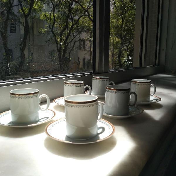 Xícaras de porcelana para café