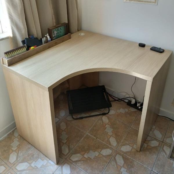 Mesa de escritório tokstok (mesa de canto)