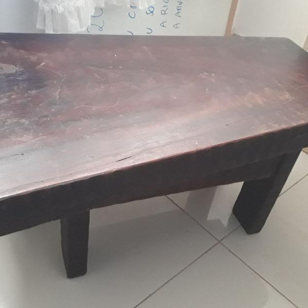 Mesa de centro de madeira mogno
