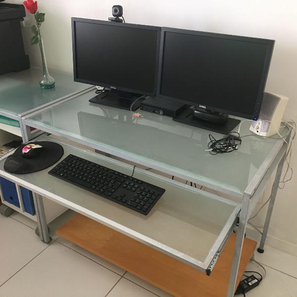 Mesa de estação de trabalho com rebaixo de teclado tok