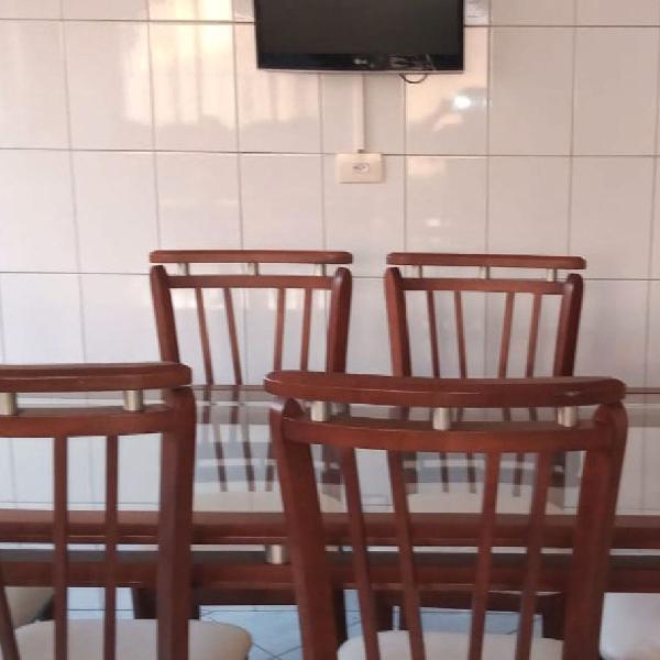 Mesa de jantar com 6 cadeiras - madeira e vidro