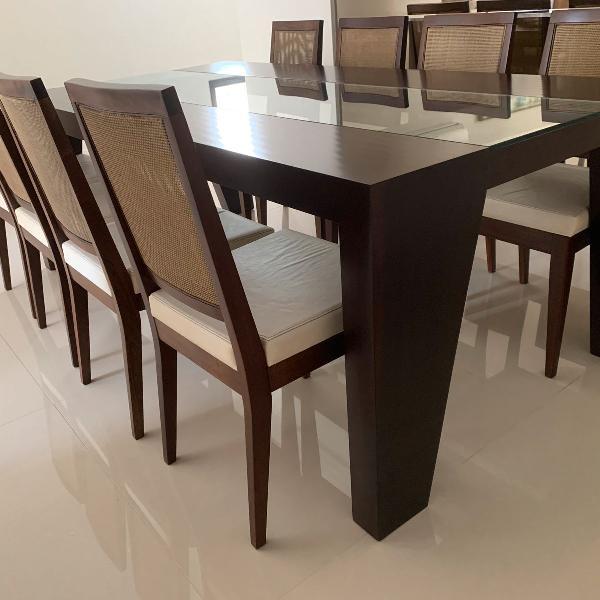 Mesa de jantar com cadeiras saccaro
