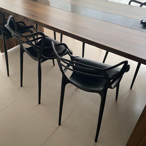 Mesa mdf e silestone e cadeiras