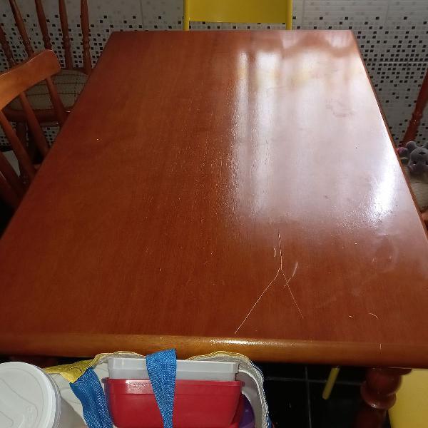 Oportunidade mesa madeira maciça 4 cadeiras com estofado