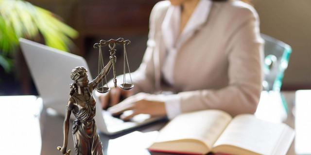 Serviços imobiliários e assistência jurídica