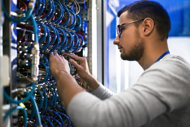 Tecnico em redes (cabeamento estruturado)