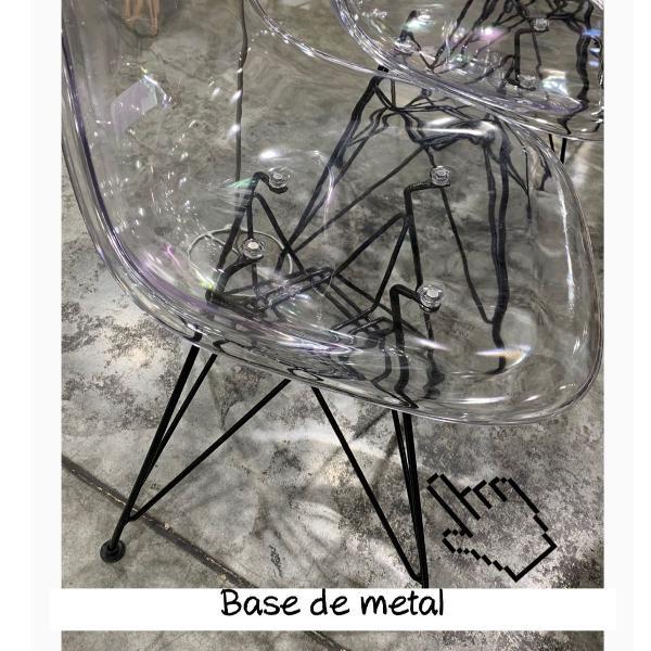 Cadeira eames transparente base metal