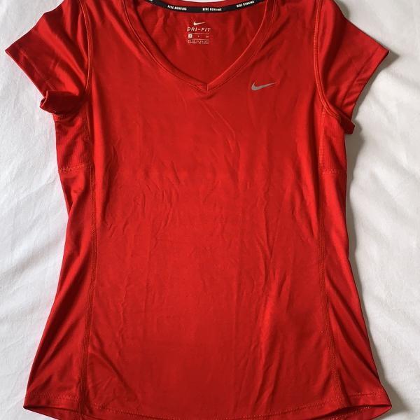 Camiseta dri fit vermelha nike