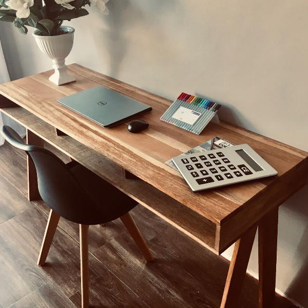 Mesa escritório/home office em madeira. linda!!!!