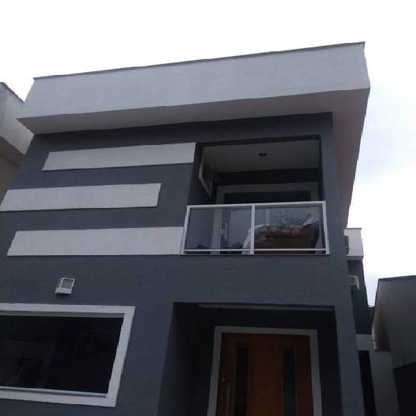 Excelente casa com 5 quartos e 4 banheiros em itaipu -