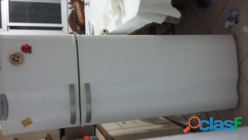 Vendo geladeira usada em perfeito estado de conservação