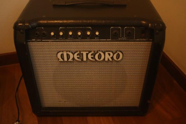 Amplificador - cubo baixo-bass man space meteoro - reverb
