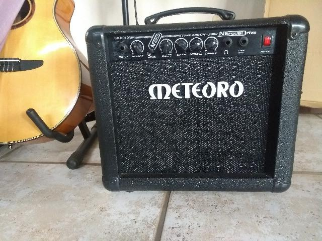 Amplificador meteoro nitrous drive 30w