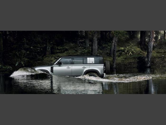 Land rover defender 2021 110s