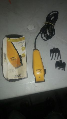 Maquina de cortar cabelo profissional nova