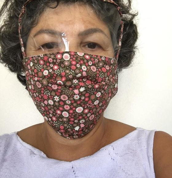 Máscara tripla camada c/ visor plástico maleável ou