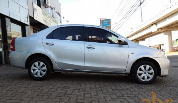 Toyota - etios