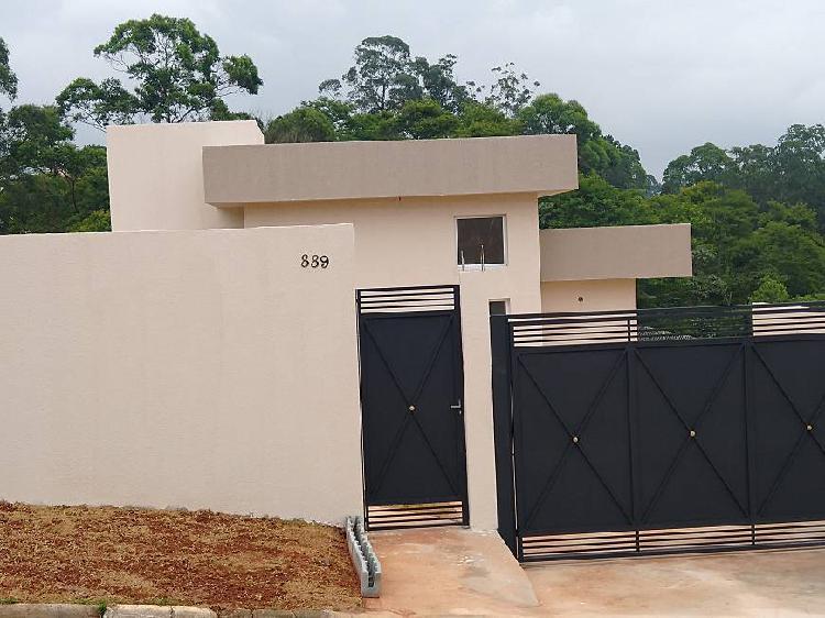 Casa para venda possui 93 metros quadrados com 3 quartos em