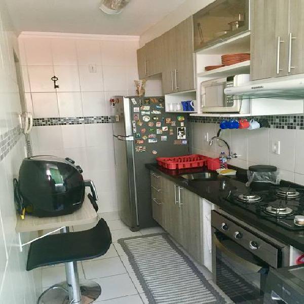 Oportunidade - apartamento bem cuidado, pronto pra ser um