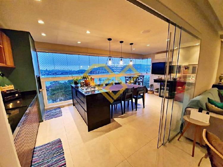 Apartamento 3 dormitórios, vista mar, 2 vagas, 135 m²,