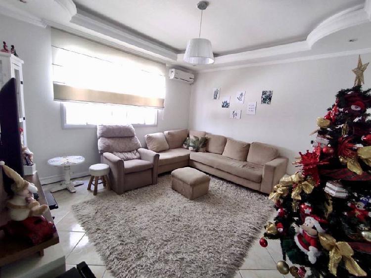 Apartamento na quadra do mar 3 dormitórios em balneário