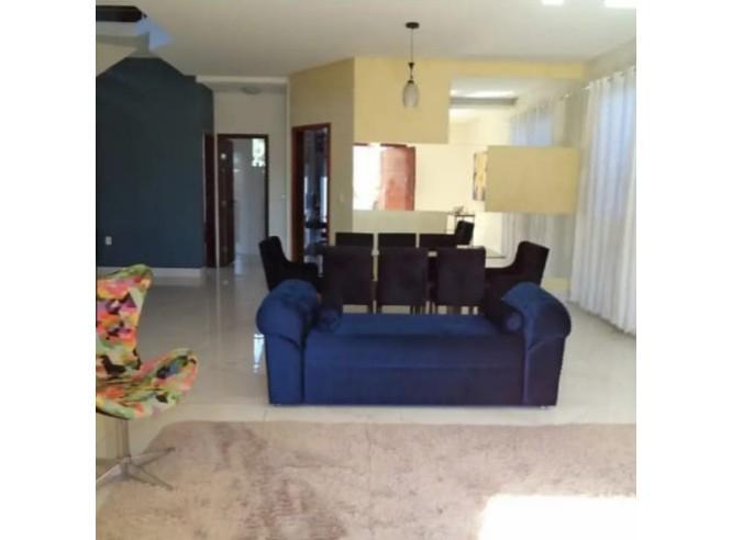 Casa, 236m², 4 vagas garagem, 5 quartos, 2 suites, area