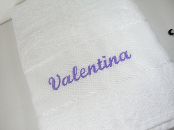 Toalha banho com nome bordado ii