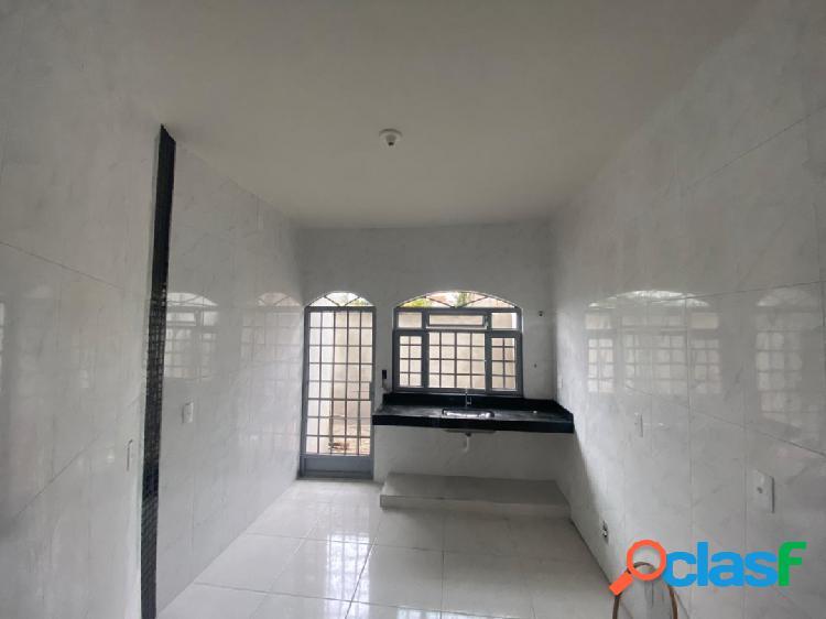 Casa bairro santa lucia com suite janelas com grades. portao social
