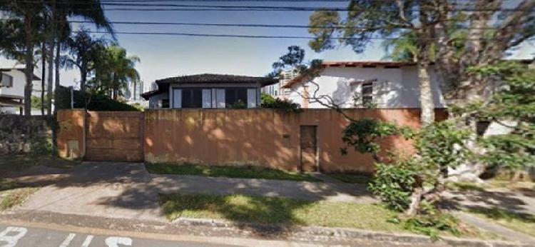 Casa para venda com 214 m2 casa com ótima localização no