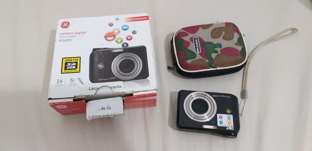 Câmera digital semi nova