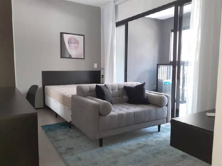 Studio novo, mobiliado e decorado pronto para morar ou
