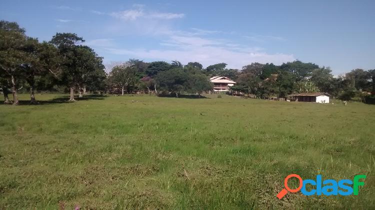 Linda área rural 54.000m2 à venda no rio vermelho em florianópolis.