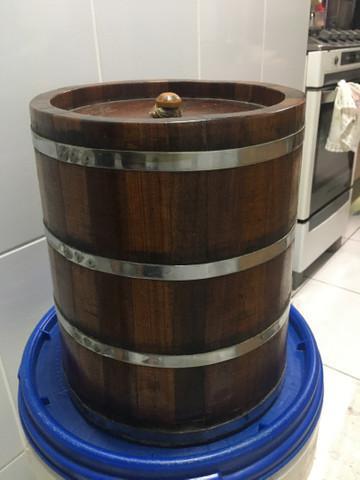 Barril de carvalho de 10 litros.