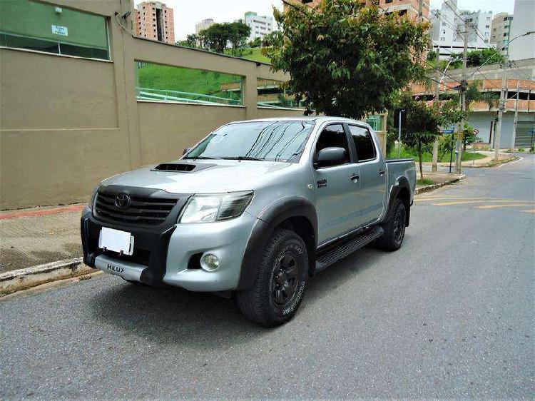 Toyota hilux cd d4-d 4x4 3.0 tdi dies. mec.