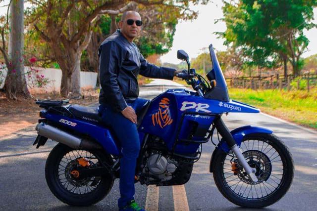Vendo moto SUZUKI DR800